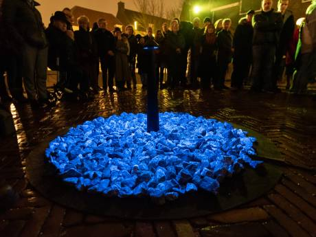 Bolsius onthult lichtkunstwerk ter nagedachtenis aan Holocaust