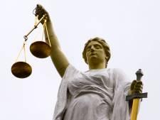Justitie vervolgt Almelose incassobende die martelpraktijken niet schuwde