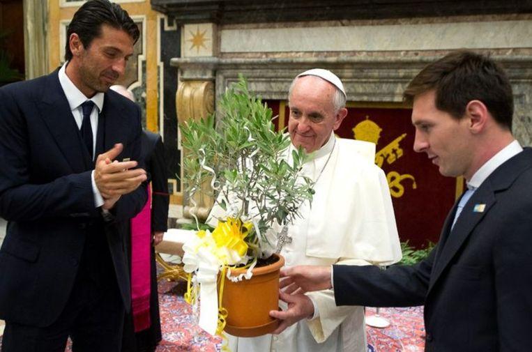 Buffon, Paus Franciscus en Messi in 2013.