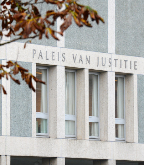 Westervoortse verdachte van seks met weggelopen meisje (13) blijft vastzitten