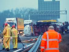 Rijkswaterstaat hoopt A67 voor avondspits te openen, tankwagen met gevaarlijke stof zorgt voor lastige klus