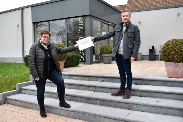 Schepen Annick Debonné en Arne Min Jou