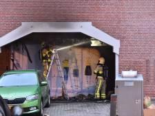 Woningen tijdelijk ontruimd na brand bij winkelcentrum in Apeldoorn