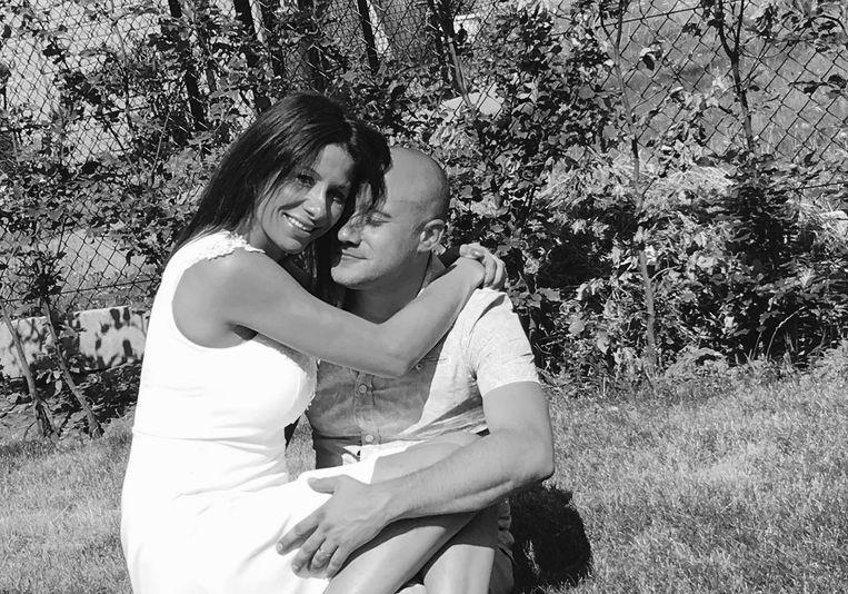 Kirsten Janssens met Koen Ambroos, een oude vriend met wie ze in een opwelling trouwde.