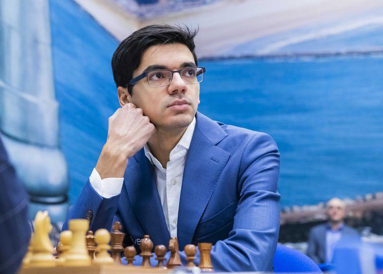 Anish Giri op het Tata Steel-schaaktoernooi, waar hij dinsdag remise overeenkwam met Jorden van Foreest. Beeld ANP