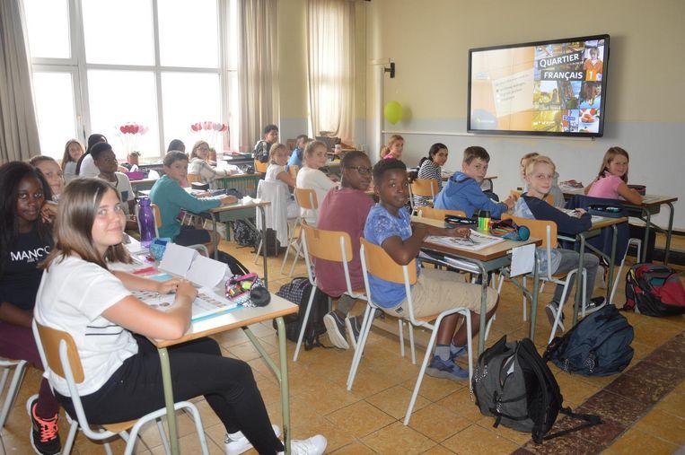 Eén van de klaslokalen in de Nieuwstraat die werden uitgebreid, vernieuwd en uitgerust met het nieuwste smartbord.