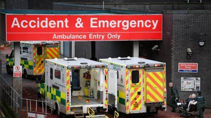 """Britse artsen slaan alarm over onaanvaardbare toestanden in ziekenhuizen: """"Zelfs in de gang sterven mensen"""""""
