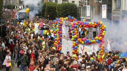 Antwerpen krijgt enorme regenboog die 's avonds oplicht voor Antwerp Pride
