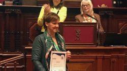 Els Van Hoof gehuldigd als Vredesvrouw