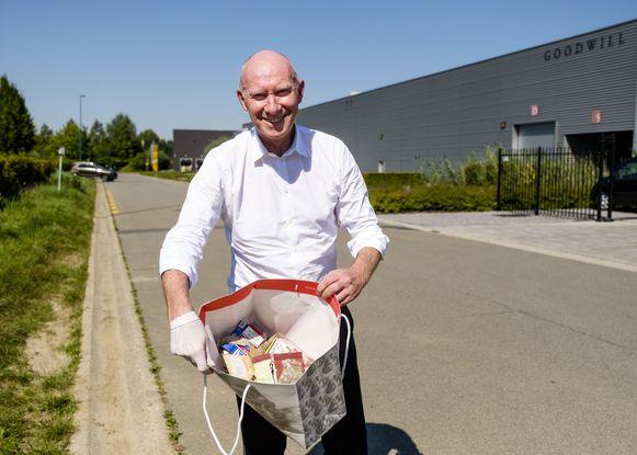 CEO van Goodwill, Jean Paul Meus, ruimt 10 minuten per dag afval op.