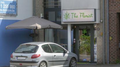 """Stormloop naar eerste Limburgse cannabiswinkel: """"Voorraad moet worden aangevuld"""""""