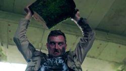 'Familie' geeft eerste beelden van seizoensfinale vrij: stoppen van Stan slaan helemaal door