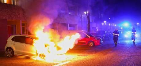 Zoveelste autobrand in Oss, dit keer wagen in de hens aan de Schapedreef