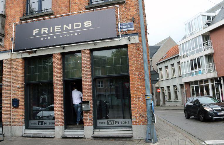 Café Friends.