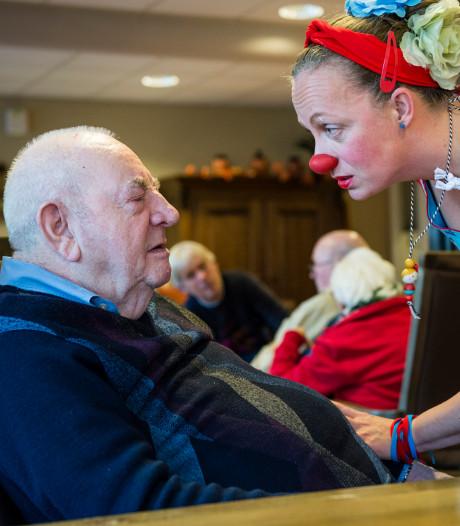 Twentse contactclowns laten mensen met dementie zich iets minder alleen voelen