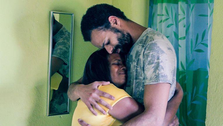 Acteur Maarten Goffin, bekend van Spitsbroers, heeft Braziliaanse roots. 34 jaar geleden werd hij geadopteerd uit een weeshuis in Salvador.