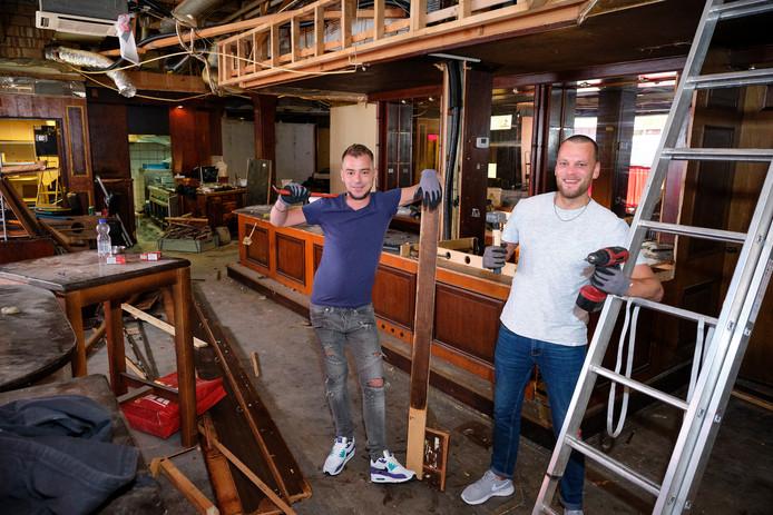 Chris Bosveld (l) en Martin de Vreugd in Malle Babbe2.0.