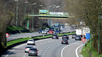 Bijna 50 procent minder auto's op de weg sinds start coronacrisis