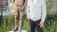 Restaurantuitbater krijgt standbeeld omdat hij Herkenrode proper houdt