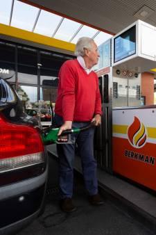Op zoek naar goedkoopste benzine rondom Den Haag: 'Het voelt voor mensen alsof ze het systeem verslaan'