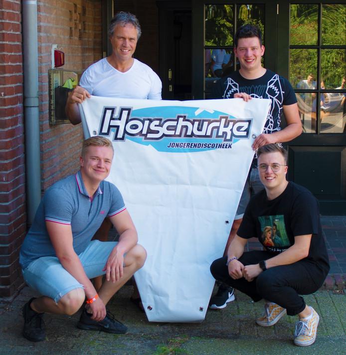 Het bestuur van het Hoischurke in Zeeland met op de voorgrond Daan van der Cruijsen (rechts) en Justin Schreiber. Daarachter Gert-Jan Geerts (links) en Bart Klerkx .