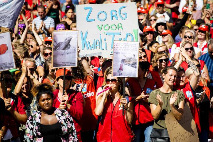 Voor het eerst in de geschiedenis staakten jeugdzorgwerkers op 2 september voor minder administratiedruk, een einde aan de inkoopwaanzin en fatsoenlijke arbeidsvoorwaarden.