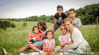 """Olympiërs Kim (41) en Elodie (39) over Black Lives Matter: """"'Zwarte' man vinden de kindjes bizar. Zelf gebruiken ze bruin. Of beige"""""""