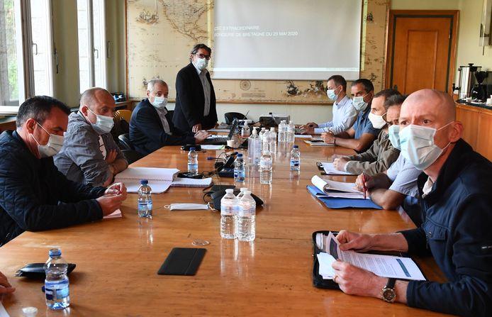 Vanochtend was er nog crisisoverleg tussen afgevaardigden van de directie van Renault en vakbonden over eventuele fabriekssluiting in Bretagne