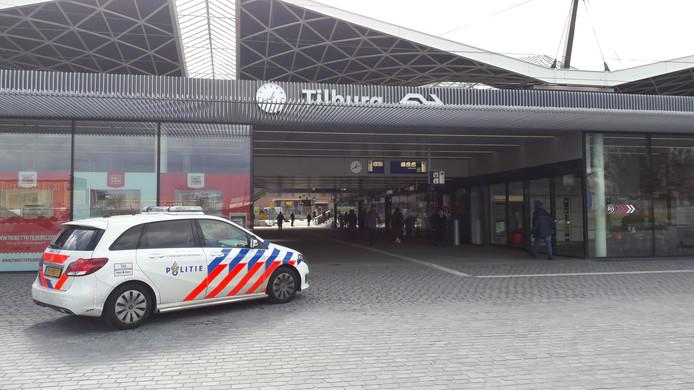 Politiebewaking op station in Tilburg.
