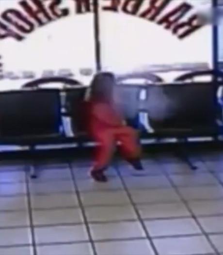 Kogels missen 4-jarig meisje op een haar