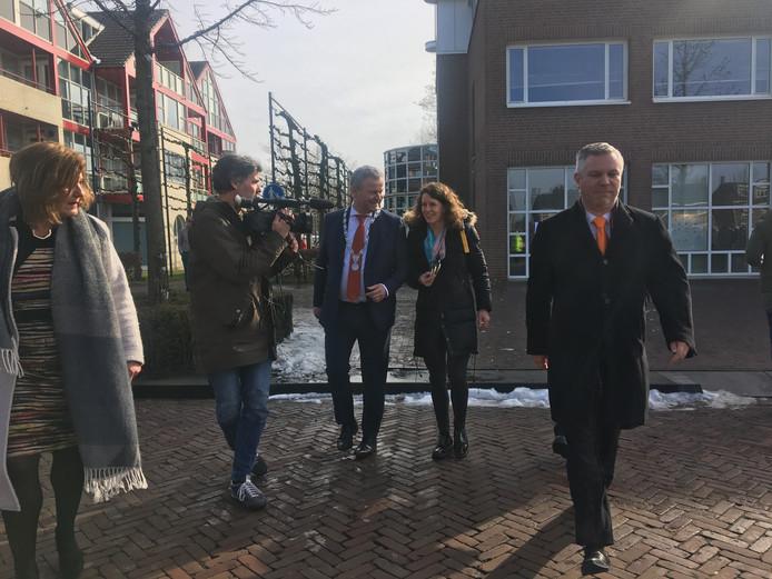 Ireen Wüst bij aankomst in Goirle.