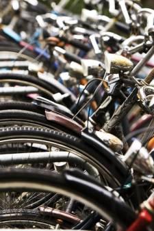 Meer rekken voor fietsers in Middelland