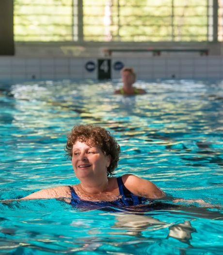 Strikte regels en minder bezoekers, maar zwembaden houden hoofd nog boven water