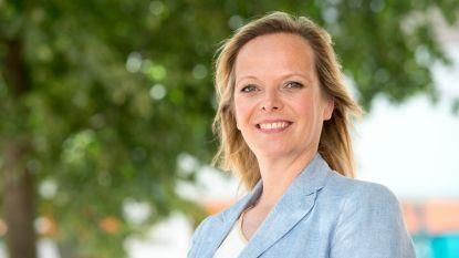 Bib viert 25 jaar met 24 auteurslezingen: streekgenote Hilde Vandermeeren bijt spits af