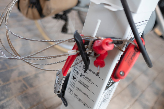 Fietspomp en gereedschap om kleine herstellingen zelf uit te voeren aan het ecohuis
