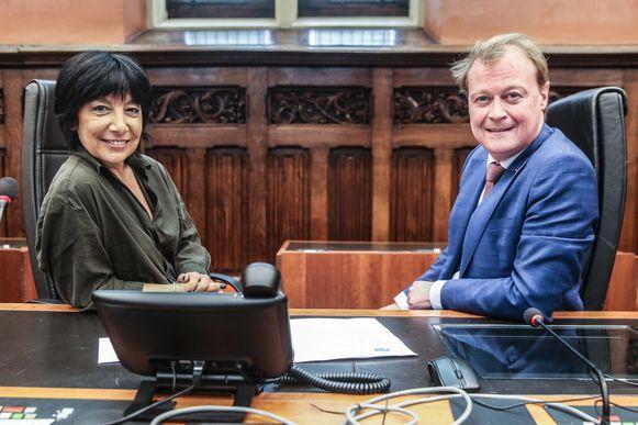 Voorzitter en ondervoorzitter van de Gentse gemeenteraad, Zeneb Bensifia  en Christophe Peeters.