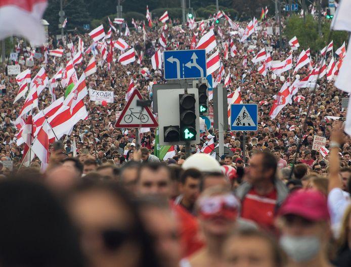 In Minsk kwamen tienduizenden mensen afgelopen weekend nog op straat tegen de frauduleuze verkiezingsuitslag.