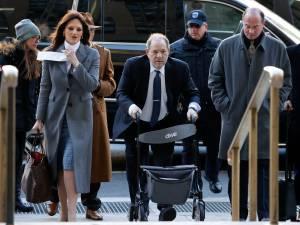 Le jury du procès Weinstein dans une impasse: les délibérations continuent