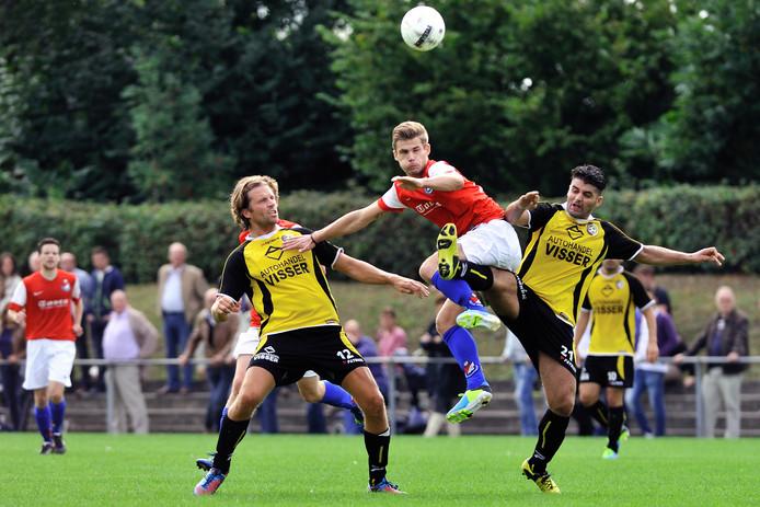 Bakkenes in 2013, in het shirt van Roosendaal.