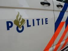 Agressieve Bredanaar trapt ruit uit politieauto tijdens rit naar cellencomplex