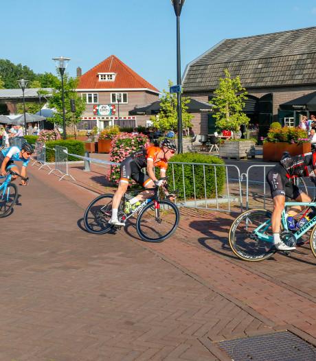 Sydlik en Kastelijn rijden in Riethoven naar zeges met een mooi verhaal