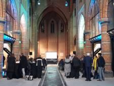 Kerk zoekt Boer oogst goed in oude kerk Sas