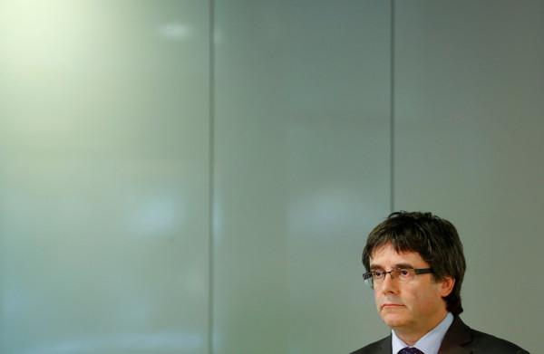 **Spanje trekt arrestatiebevel Puigdemont in, uitlevering van de baan**