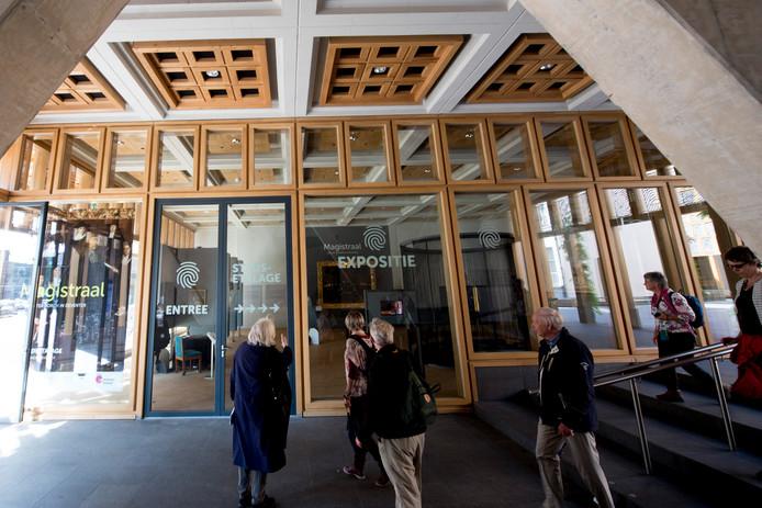 Eerder was bijvoorbeeld de Magistraat te zien in de Deventer Stadsetalage. Nu zijn vrijwilligers van het Duurzaamheidscentrum de ruimte aan het inrichten.