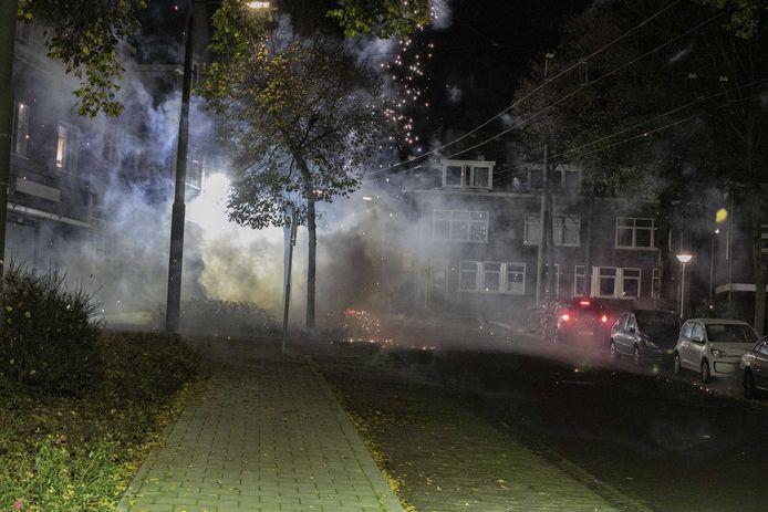 Eerder deze week was het nog onrustig in de wijk Geitenkamp. Vuurwerkbommen ontploften en hier en daar werden brandjes gesticht.