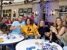 Aan de boemel bij feestcafé D'n Beer tijdens kermis in Rosmalen