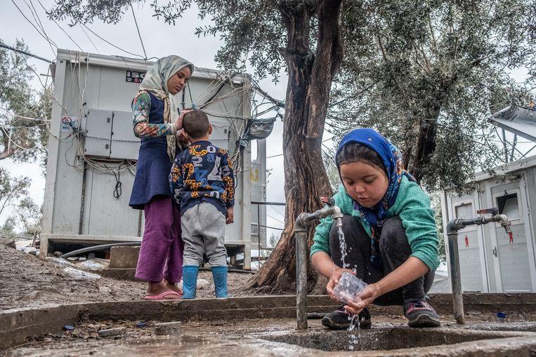 Vluchtelingenkamp Moria op het Griekse Lesbos, begin maart dit jaar.  Beeld Joris Van Gennip