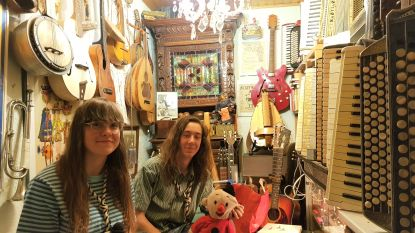 Leander (17) en zus Ilona (14) zes dagen in variéteshow, drie dagen bij Gentse zangstonde