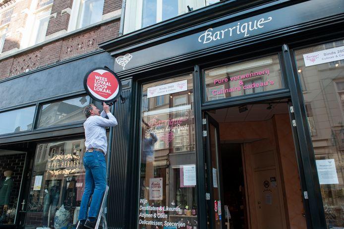 Benny Bouwman, eigenaar van winkel Barrique aan de Vughterstraat: Wees loyaal, koop lokaal.