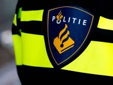 Politie slingert acht bromfietsers in Roosendaal op de bon